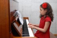 کنسرت هنرجویان پیانو خانم دوست محمدی 22 اسفند 1392