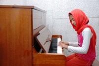 یلدا احمدی