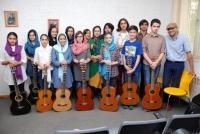 هنرجویان کلاس گیتار - خانم آیلین ارجمند و آقای پدرام جواهری پور